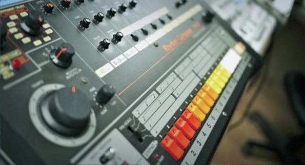 roland-808-blog-post-header-image-660x358